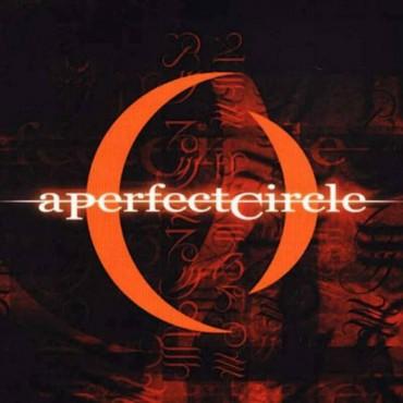 """A perfect circle """" Mer de noms """""""